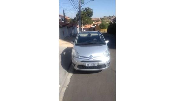 //www.autoline.com.br/carro/citroen/grand-c4-picasso-20-16v-gasolina-4p-automatico/2014/indaiatuba-sp/10718623