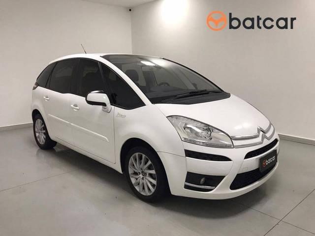 //www.autoline.com.br/carro/citroen/grand-c4-picasso-20-16v-143cv-4p-gasolina-automatico/2013/brasilia-df/13163662