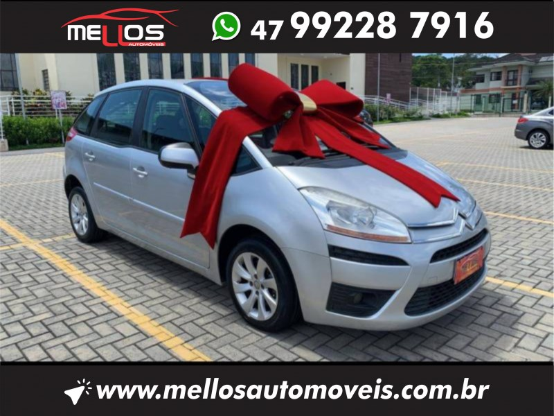 //www.autoline.com.br/carro/citroen/grand-c4-picasso-20-exclusive-16v-gasolina-4p-automatico/2009/joinville-sc/14665685