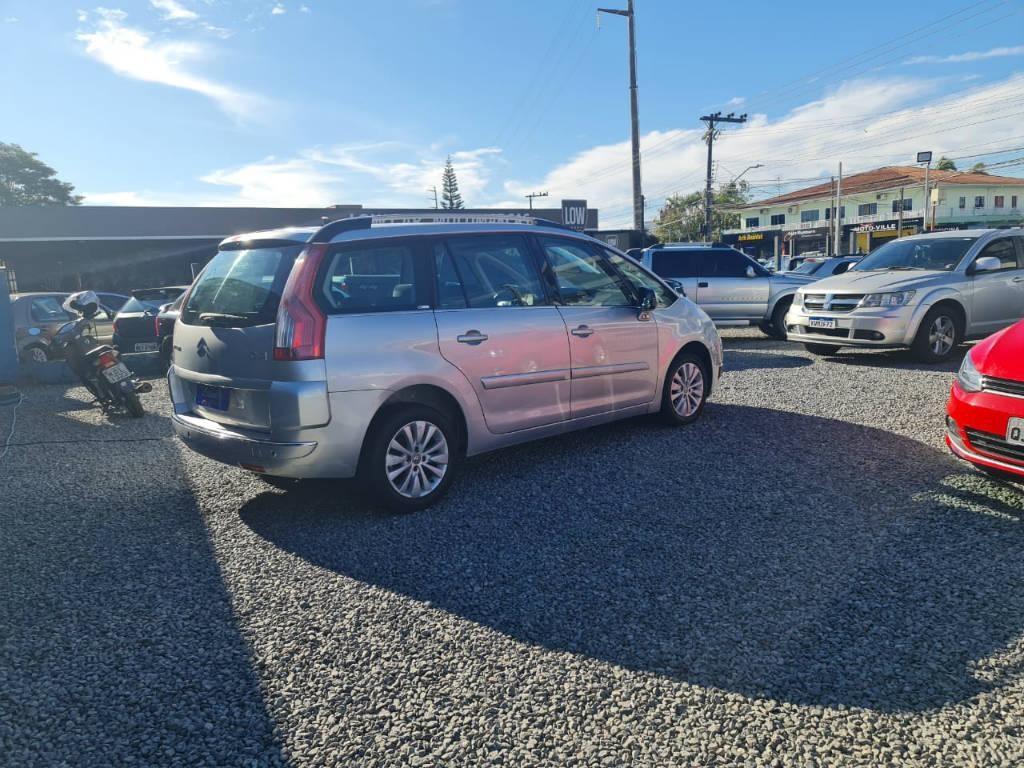 //www.autoline.com.br/carro/citroen/grand-c4-picasso-20-exclusive-16v-gasolina-4p-automatico/2008/joinville-sc/15030754