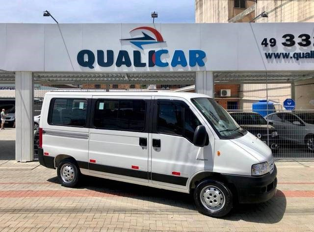 //www.autoline.com.br/carro/citroen/jumper-23-hdi-minibus-35lh-16v-diesel-4p-manual/2014/chapeco-sc/12709758