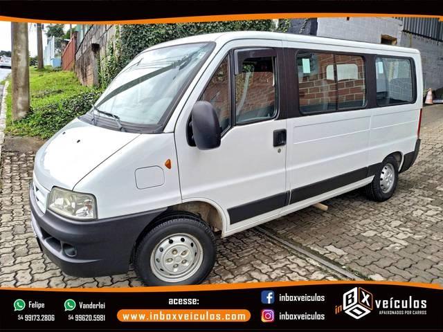 //www.autoline.com.br/carro/citroen/jumper-23-hdi-minibus-16v-diesel-4p-turbo-manual/2012/gramado-rs/14209761