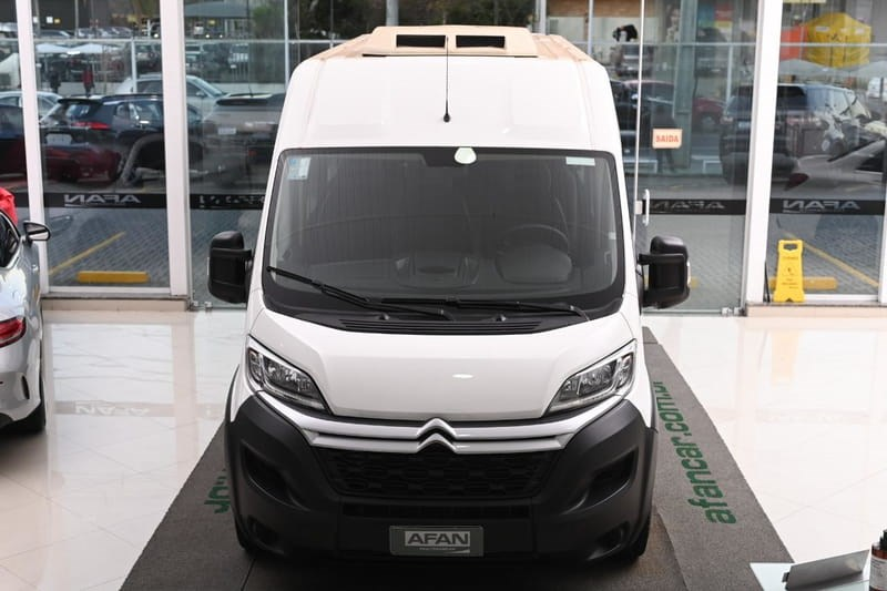//www.autoline.com.br/carro/citroen/jumper-20-furgao-l3h2-13m-hdi-16v-diesel-4p-turbo-ma/2019/curitiba-pr/15745718