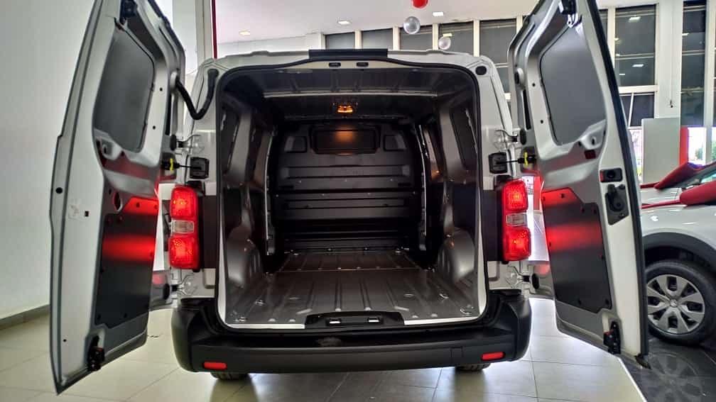 //www.autoline.com.br/carro/citroen/jumpy-16-hdi-vitre-8v-diesel-4p-turbo-manual/2021/brasilia-df/15195948