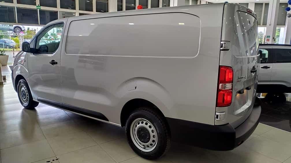 //www.autoline.com.br/carro/citroen/jumpy-16-hdi-pack-8v-diesel-4p-turbo-manual/2022/brasilia-df/15648741