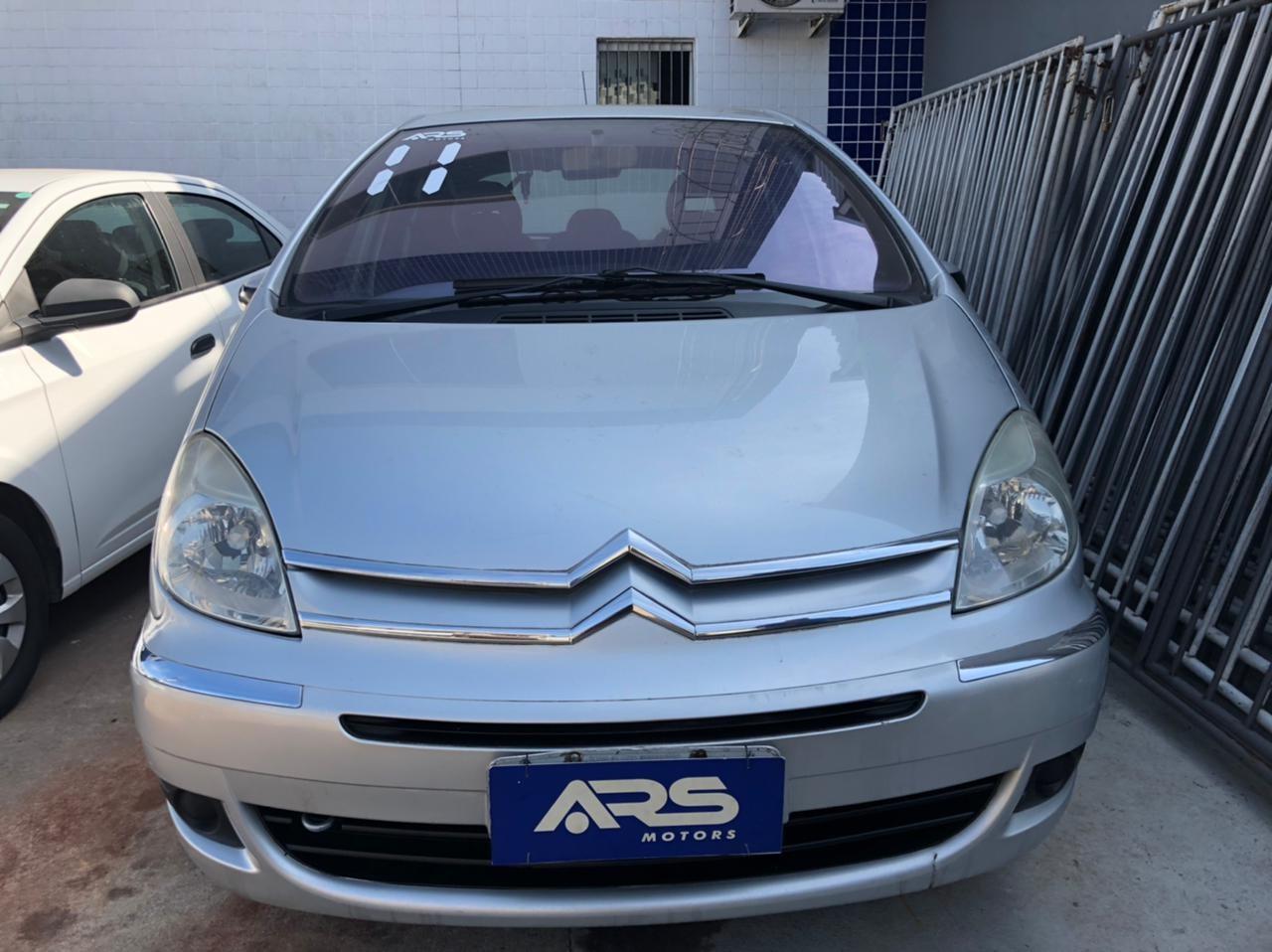 //www.autoline.com.br/carro/citroen/xsara-picasso-16-exclusive-16v-flex-4p-manual/2011/rio-de-janeiro-rj/14626773
