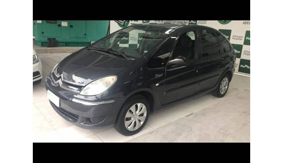 //www.autoline.com.br/carro/citroen/xsara-picasso-16-glx-16v-flex-4p-manual/2009/joinville-sc/8316100