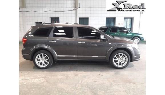//www.autoline.com.br/carro/dodge/journey-36-rt-24v-gasolina-4p-automatico-4x4/2016/sao-paulo-sp/8370668