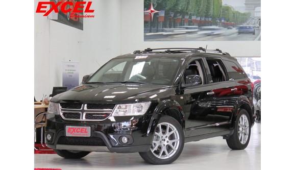//www.autoline.com.br/carro/dodge/journey-36-rt-24v-gasolina-4p-automatico-4x4/2014/curitiba-pr/8569578