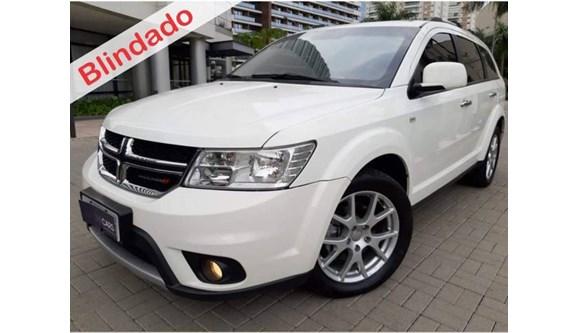 //www.autoline.com.br/carro/dodge/journey-36-rt-24v-gasolina-4p-automatico-4x4/2015/sao-caetano-do-sul-sp/8616445