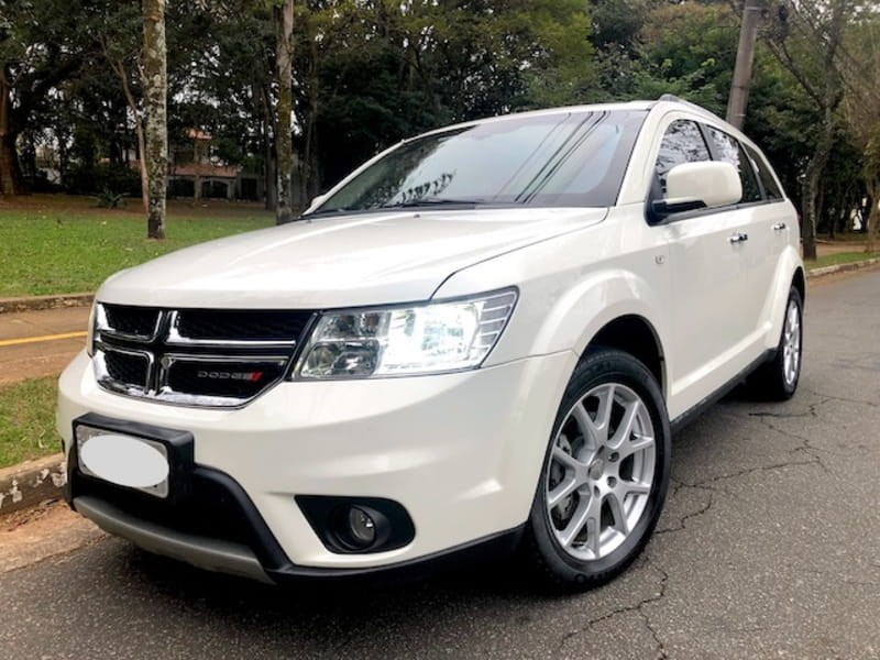 //www.autoline.com.br/carro/dodge/journey-36-rt-24v-gasolina-4p-automatico/2014/sao-jose-dos-campos-sp/9597743
