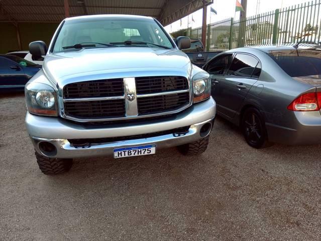 //www.autoline.com.br/carro/dodge/ram-pickup-59-2500-24v-diesel-4p-automatico-4x4-turbo-in/2006/araucaria-pr/13923287