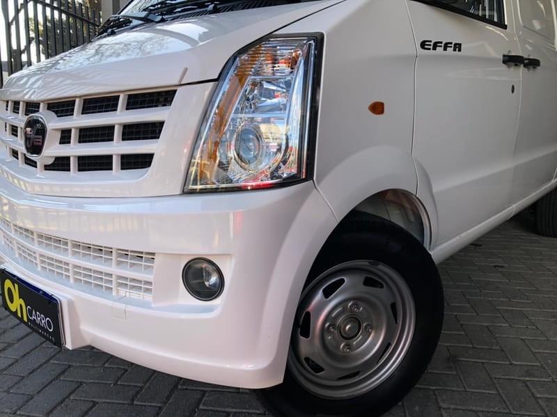 //www.autoline.com.br/carro/effa/v25-13-furgao-16v-gasolina-4p-manual/2021/curitiba-pr/15216270