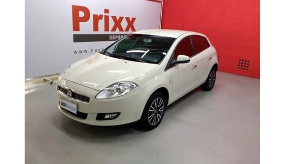 //www.autoline.com.br/carro/fiat/bravo-18-essence-16v-flex-4p-dualogic/2014/curitiba-pr/8579481