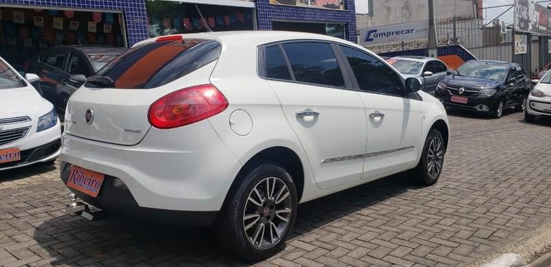 //www.autoline.com.br/carro/fiat/bravo-18-essence-16v-flex-4p-manual/2014/campinas-sp/8833416