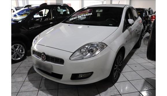 //www.autoline.com.br/carro/fiat/bravo-18-essence-16v-flex-4p-dualogic/2014/sao-paulo-sp/9018026