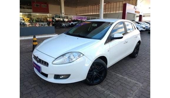 //www.autoline.com.br/carro/fiat/bravo-18-essence-16v-flex-4p-manual/2014/brasilia-df/9118793