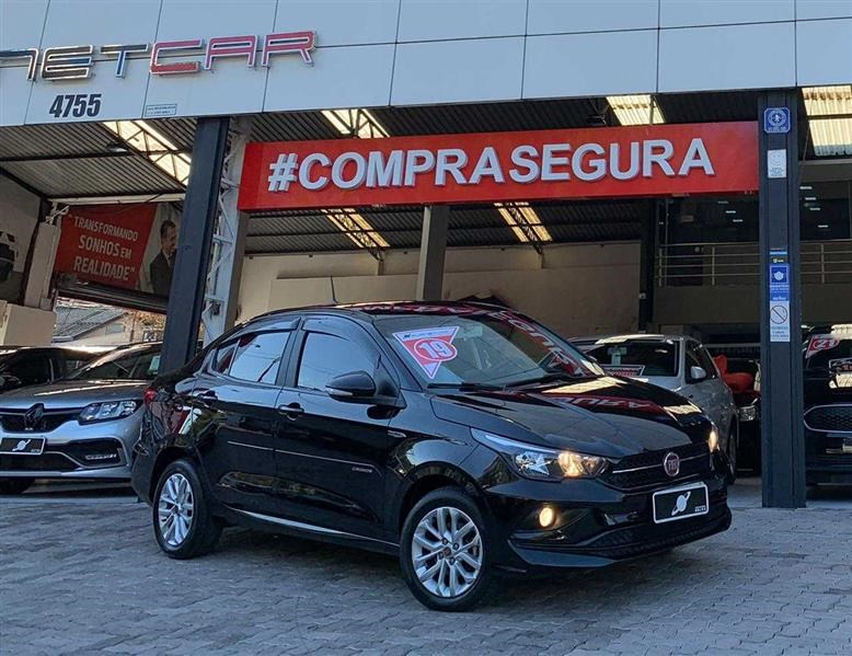 //www.autoline.com.br/carro/fiat/cronos-13-drive-8v-flex-4p-automatico/2019/sao-paulo-sp/14641601