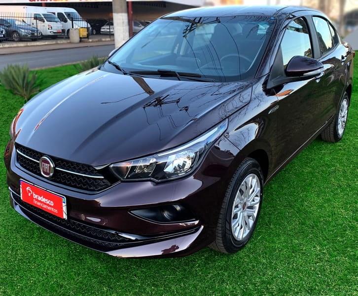 //www.autoline.com.br/carro/fiat/cronos-13-drive-8v-flex-4p-automatico/2020/fraiburgo-sc/15646834