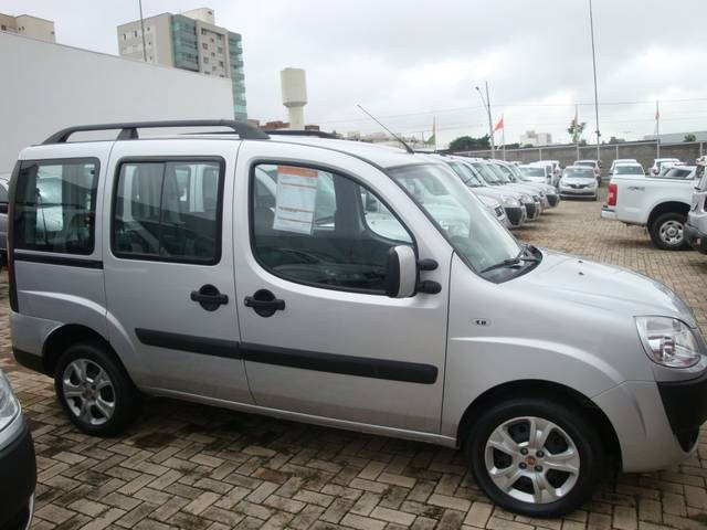 //www.autoline.com.br/carro/fiat/doblo-18-essence-16v-flex-4p-manual/2018/uberlandia-mg/14009091