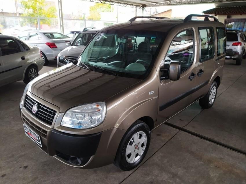 //www.autoline.com.br/carro/fiat/doblo-18-essence-16v-flex-4p-manual/2013/caxias-do-sul-rs/14870871