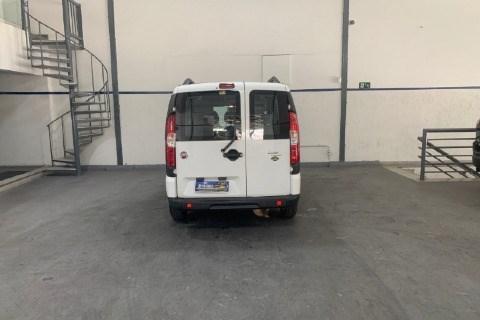 //www.autoline.com.br/carro/fiat/doblo-18-essence-16v-flex-4p-manual/2015/belo-horizonte-mg/15211526
