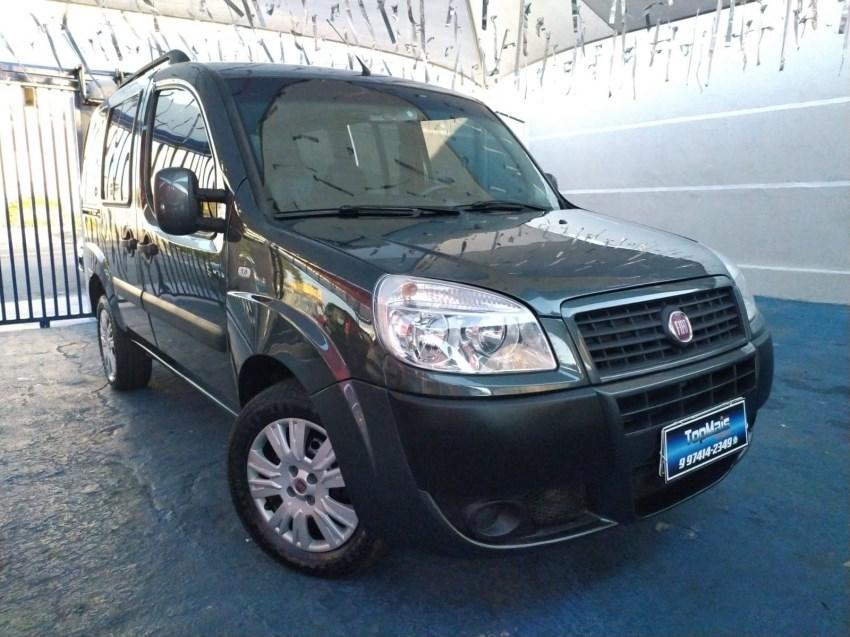 //www.autoline.com.br/carro/fiat/doblo-18-essence-16v-flex-4p-manual/2015/campinas-sp/15293536