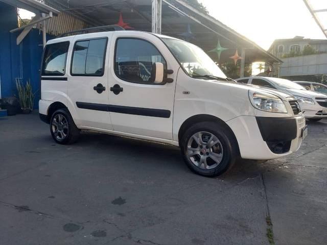 //www.autoline.com.br/carro/fiat/doblo-18-essence-7l-16v-flex-4p-manual/2018/sao-jose-dos-campos-sp/15590921