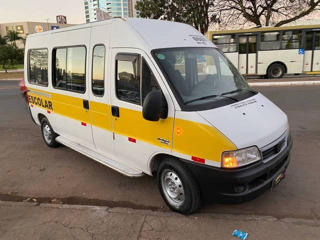 //www.autoline.com.br/carro/fiat/ducato-23-minibus-teto-alto-16l-me-longo-8v-diesel-4/2010/brasilia-df/12044672