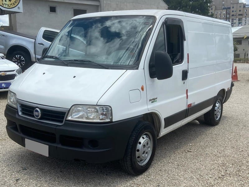 //www.autoline.com.br/carro/fiat/ducato-23-me-cargo-75m-16v-diesel-4p-turbo-manual/2014/curitiba-pr/13474905