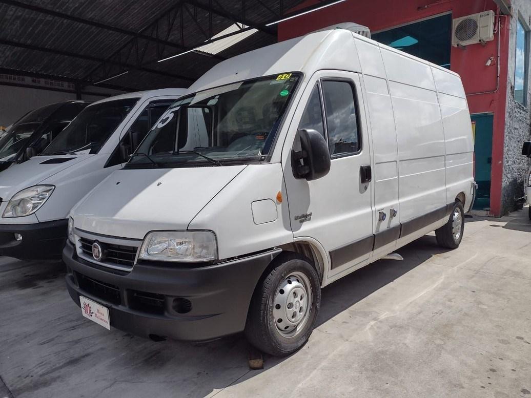 //www.autoline.com.br/carro/fiat/ducato-23-me-maxicargo-10m-16v-diesel-4p-turbo-manua/2015/sao-paulo-sp/13933707