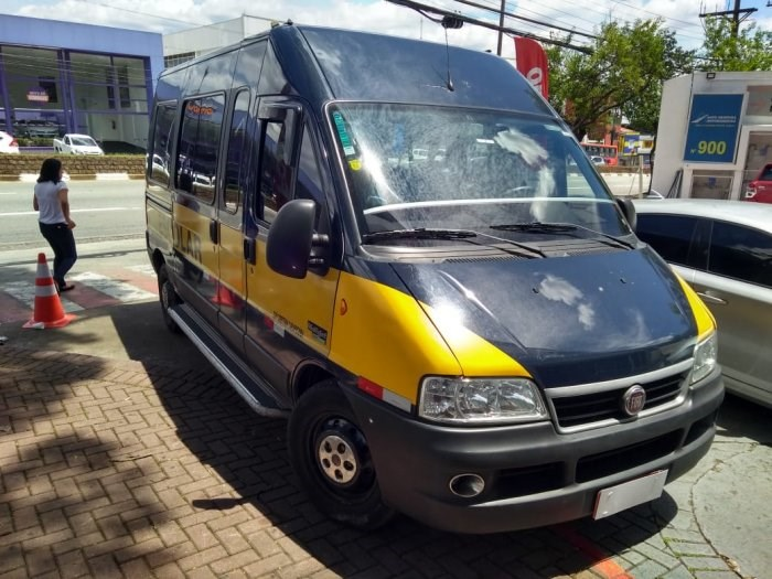 //www.autoline.com.br/carro/fiat/ducato-23-multi-teto-alto-16v-diesel-4p-turbo-manual/2015/osasco-sp/14156444