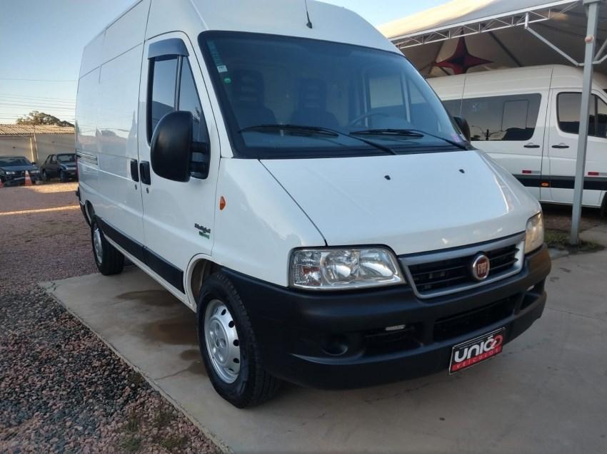 //www.autoline.com.br/carro/fiat/ducato-23-maxicargo-12m-16v-diesel-4p-turbo-manual/2013/porto-alegre-rs/14595910