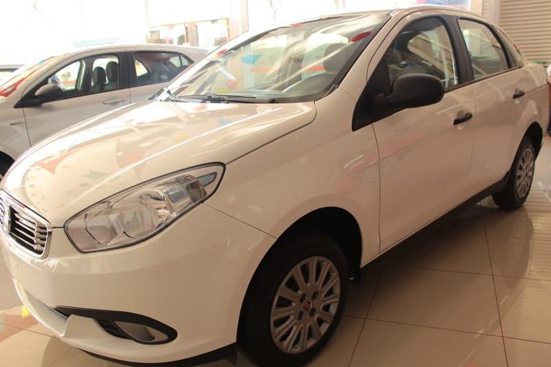 //www.autoline.com.br/carro/fiat/grand-siena-14-attractive-8v-flex-4p-manual/2019/brasilia-df/10157625