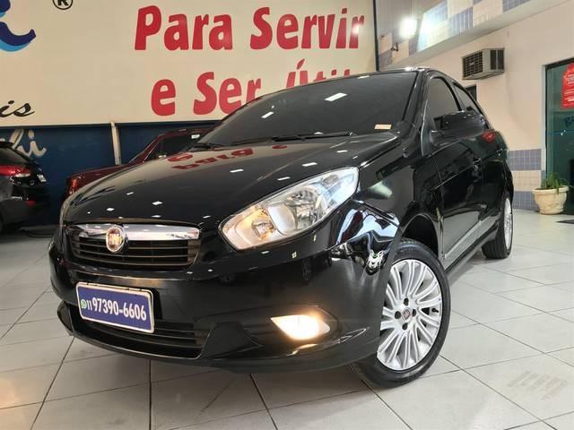 //www.autoline.com.br/carro/fiat/grand-siena-16-essence-16v-flex-4p-manual/2013/sao-paulo-sp/10931491
