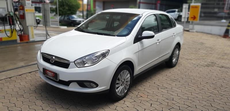//www.autoline.com.br/carro/fiat/grand-siena-16-essence-16v-flex-4p-manual/2014/araxa-mg/10974284