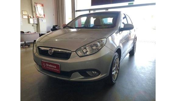 //www.autoline.com.br/carro/fiat/grand-siena-16-essence-16v-flex-4p-dualogic/2013/quirinopolis-go/11317424