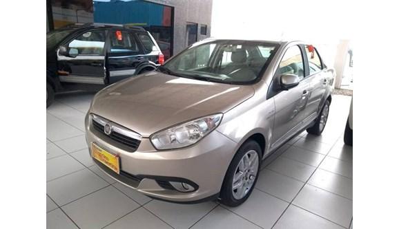 //www.autoline.com.br/carro/fiat/grand-siena-16-essence-16v-flex-4p-dualogic/2013/natal-rn/11375100