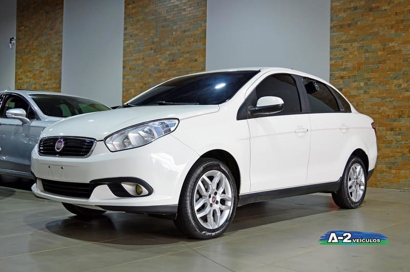 //www.autoline.com.br/carro/fiat/grand-siena-16-essence-16v-flex-4p-dualogic/2018/campinas-sp/12368972