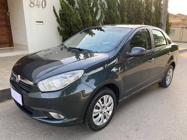 //www.autoline.com.br/carro/fiat/grand-siena-14-evo-attractive-8v-flex-4p-manual/2015/bom-despacho-mg/12779450