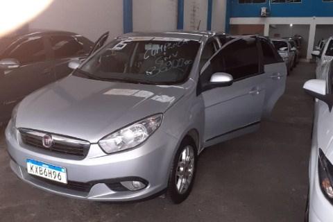 //www.autoline.com.br/carro/fiat/grand-siena-14-evo-attractive-8v-flex-4p-manual/2015/nova-iguacu-rj/12812815