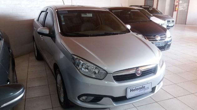 //www.autoline.com.br/carro/fiat/grand-siena-16-essence-16v-flex-4p-manual/2016/palmeira-das-missoes-rs/7833962