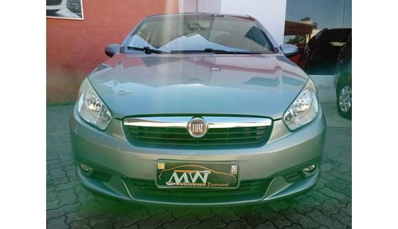 //www.autoline.com.br/carro/fiat/grand-siena-14-tetrafuel-8v-flex-4p-manual/2013/rio-grande-rs/8077707