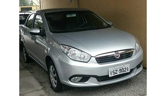 //www.autoline.com.br/carro/fiat/grand-siena-14-tetrafuel-8v-flex-4p-manual/2013/pelotas-rs/6366411