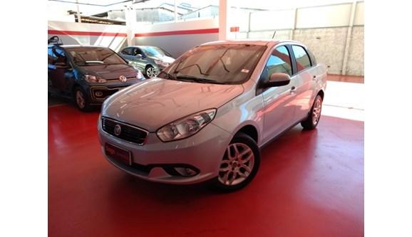 //www.autoline.com.br/carro/fiat/grand-siena-16-essence-16v-flex-4p-manual/2018/brasilia-df/8691971