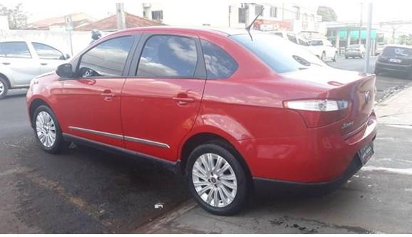 //www.autoline.com.br/carro/fiat/grand-siena-16-essence-16v-115cv-4p-flex-manual/2014/rio-verde-go/9290503