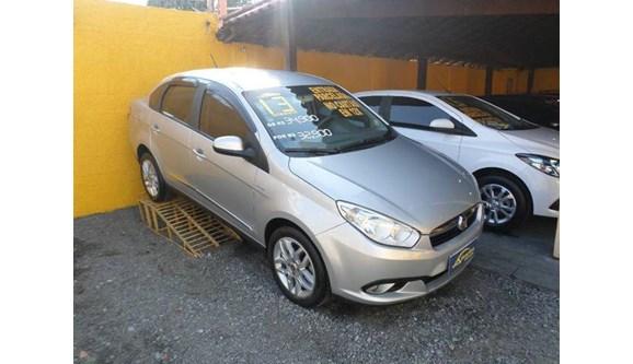 //www.autoline.com.br/carro/fiat/grand-siena-16-essence-16v-flex-4p-dualogic/2013/sao-goncalo-rj/9394890