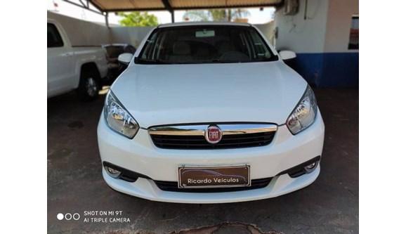 //www.autoline.com.br/carro/fiat/grand-siena-16-essence-16v-115cv-4p-flex-manual/2015/rio-verde-go/9798359