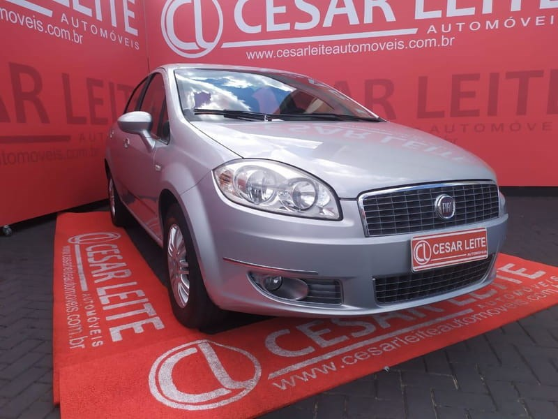//www.autoline.com.br/carro/fiat/linea-18-essence-16v-flex-4p-manual/2013/curitiba-pr/14568260