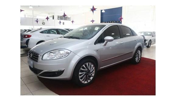 //www.autoline.com.br/carro/fiat/linea-18-absolute-16v-sedan-flex-4p-dualogic/2016/brusque-sc/6230022